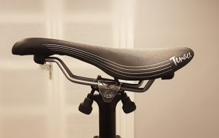 Saddle with nose tilted up